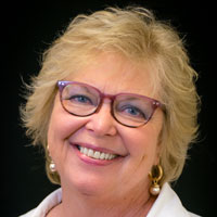 Photo of Lynn Tarnoff