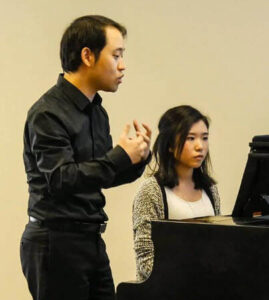 Piano instructor Kangwoo Jin with student