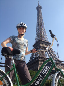 Guest speaker Maggie Grabow of the Global Health Institute promotes biking as good for the climate and good for health.